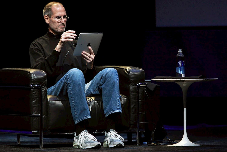 Как Стив Джобс стал так хорошо проводить презентации?